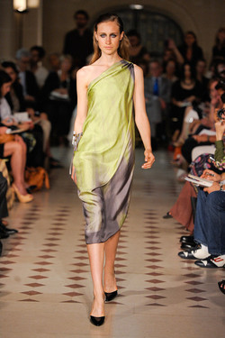 Atelier Gustavo Lins Haute Couture F:W 2012.13.jpg