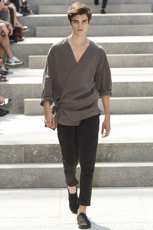 Issey Miyake SS18 (1st face)_Paris Fashion Week Men