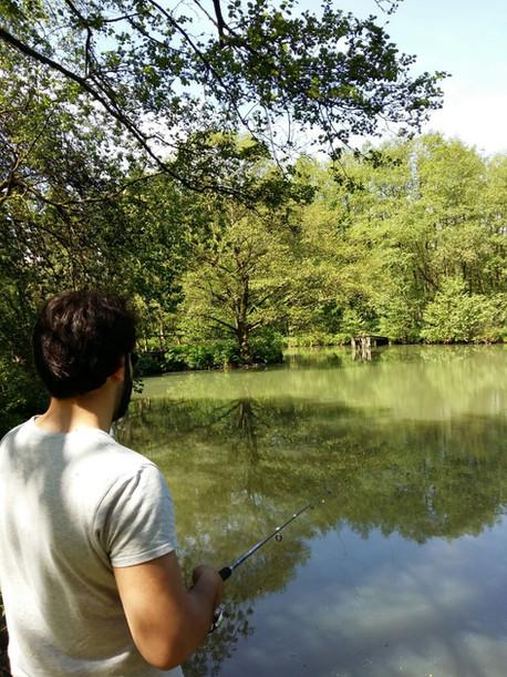 Angeln am großen Teich Blockhütte Hessen Angeln