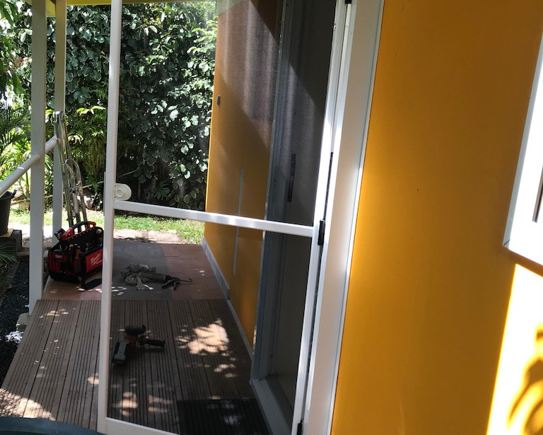 porte moustiquaire aluminium
