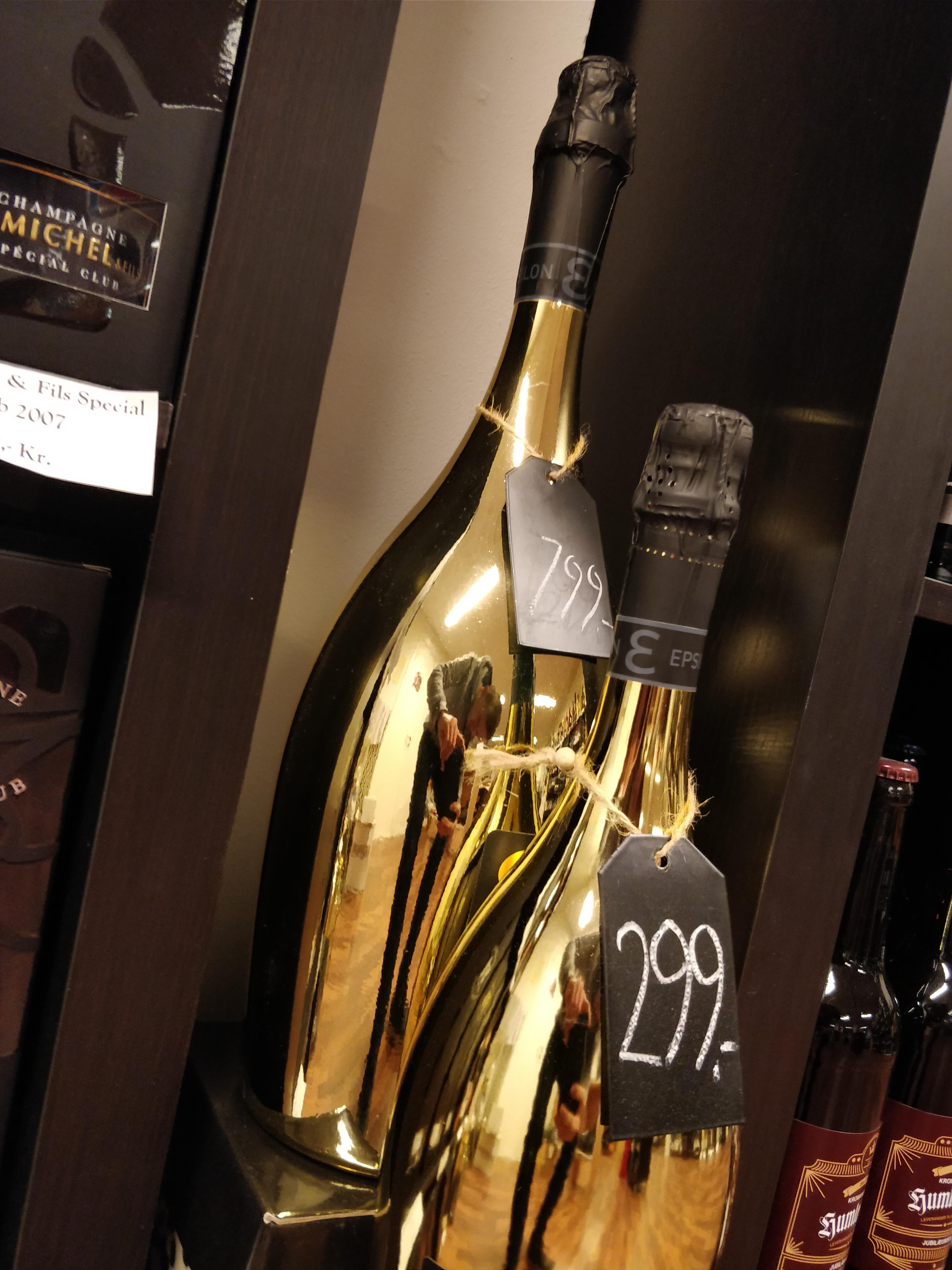 Vores KÆMPE guldflaske
