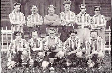 1951 Senior Cup.jpg