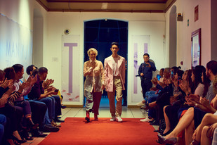Man Yu y su hijo David. con diseño de Cristi Blanco, al final del Fashion Show El Clóset Humano