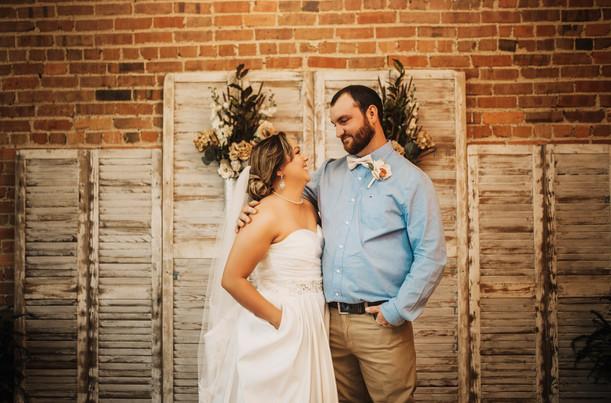 Alyssa & AJ | Beautiful Rustic Remington Wedding