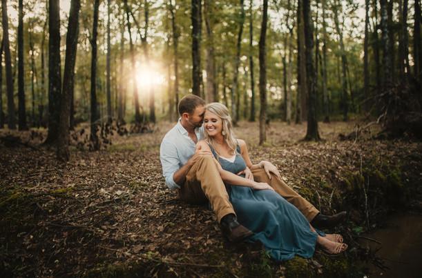 Casey & Jonathan | Sweet Woodland Engagement