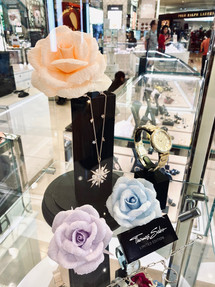 Roses for Thomas Sabo's Display Cases