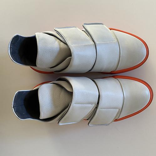 Gasoline Bianco Sneaker by Lofina