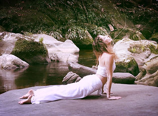 Yoga Nika Nunnari