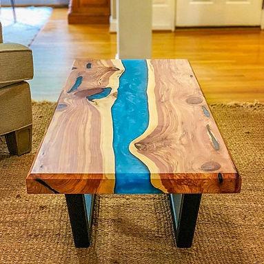 epoxi-river-table-dyi.jpg