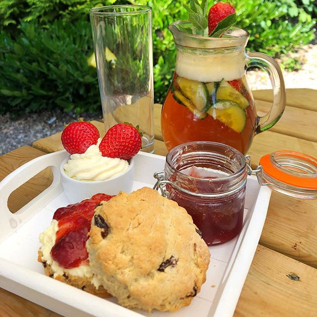 Cream tea with Pimm's is back on the men