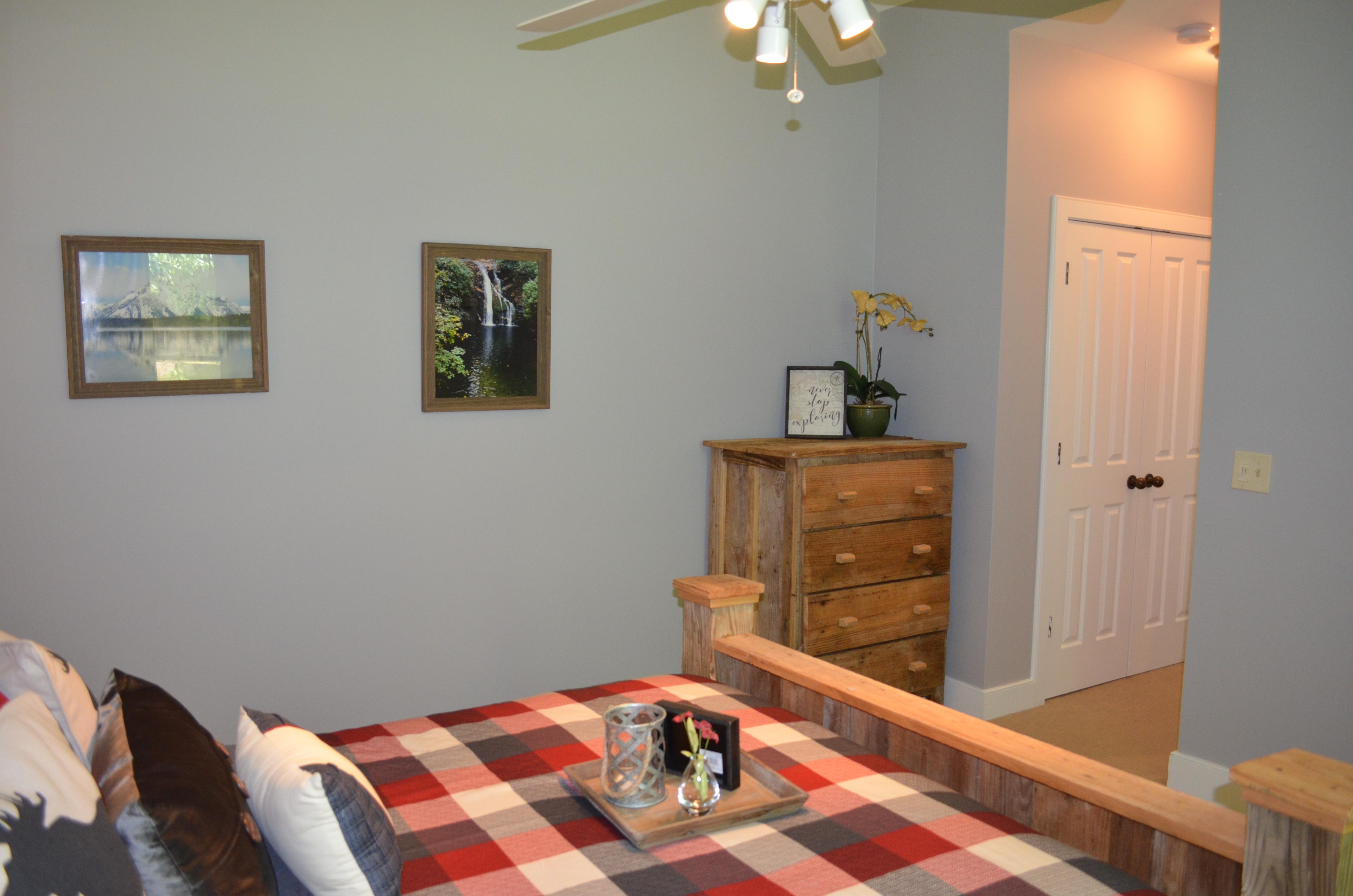 Rustic Cabin Suite