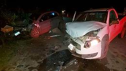 Acidente de carro deixa feridos próximo à Pousada Du Rio