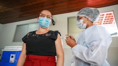 Professores de Barcarena começam a ser vacinados contra a Covid-19