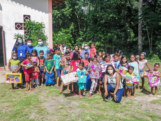 Hidrovias do Brasil e Igreja Católica entregam cestas básicas e brinquedos em Barcarena