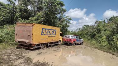 Em Barcarena, bando é surpreendido pela PM durante roubo a caminhão dos Correios