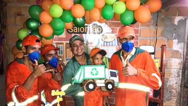 Garoto de Barcarena faz aniversário com tema de limpeza pública e chama trabalhadores