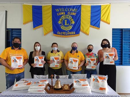 Zíngaros e Lions Club entregam aventais para Secretaria de Saúde de Clevelândia