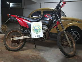 Motocicleta furtada é recuperada pela Polícia Militar de Clevelândia