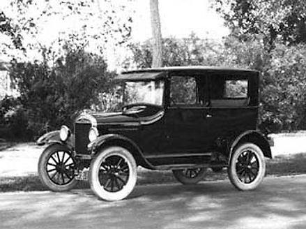 Ford-T, Tipo Tudor, Ano 1923.jpg