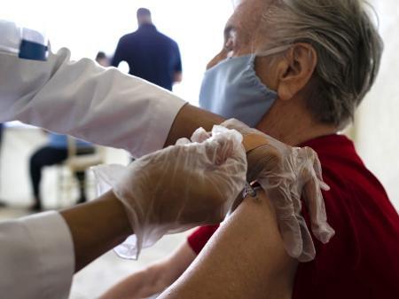 Clevelândia se prepara para vacinar idosos acima de 90 anos contra covid-19