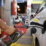 Novo reajuste nos preços da gasolina e diesel; valores passam a vigorar a partir de amanhã