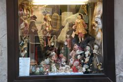 Puppet shop