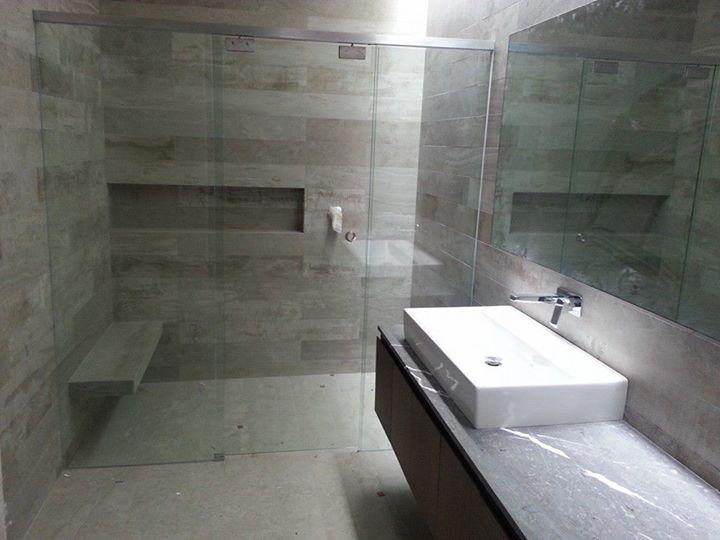 Facebook - Canceles para  baño con cristal templado 10mm Deminox Decoraciones In