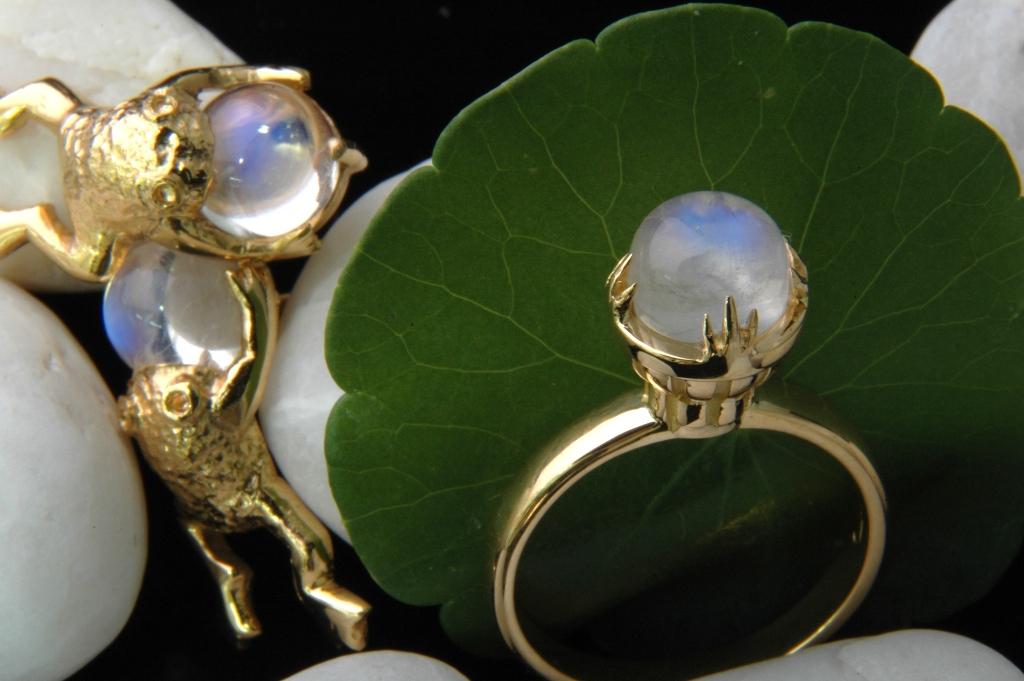 Frog Moon Ring
