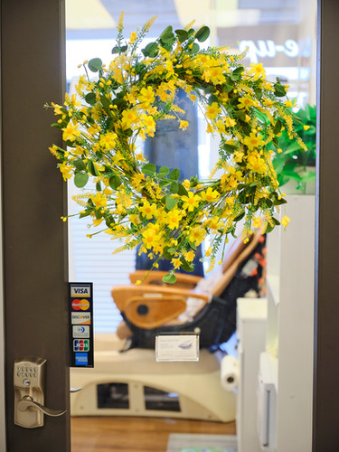 Suite 103 Yellow Wreath