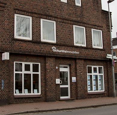 Aussenansicht Büro Schurillis Immobilien im Maienbeeck 41 in 24576 Bad Bramstedt
