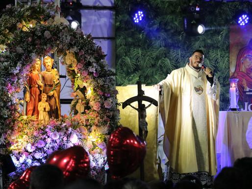 Paróquia Sagrada Família, em Araxá, festejou a padroeira com grande participação dos fiéis