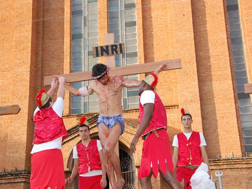 Cristãos celebram a Páscoa do Senhor