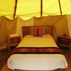 Earthship Yurt Bed, Argentina