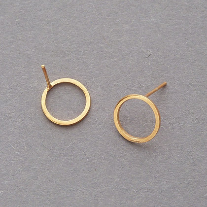 CIRCLE STUD EARRINGS