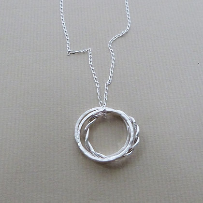 3 CIRCLE NECKLACE (SAMPLE)