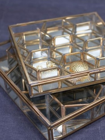 Honeycomb boxes by Nukku