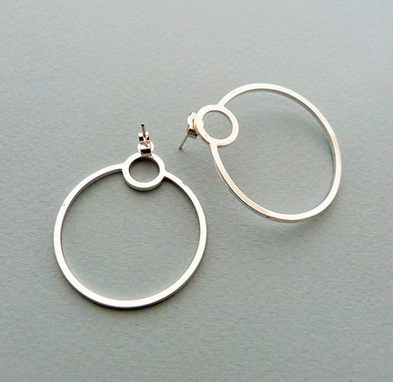 SINGLE ORBIT HOOP EARRINGS