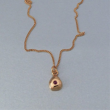 GOLD & RUBY NECKLACE