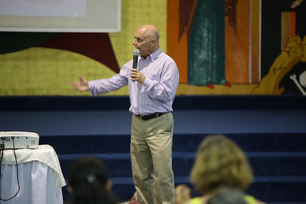 Dr. Miguel Isla