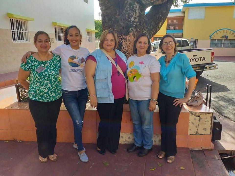 Animadoras (María Sued, Gabriela Mesa, Waleska Ruiz, Carmen Ruiz y Margarita Moll.