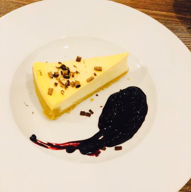 Cheesecake s borůvkovým přelivem