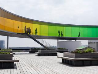 Vertreter der Europäischen Kommission am FIWARE Stand in Aarhus, Dänemark, an welchem LuxActive das