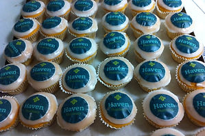personalised cakes and cupcakes dublin ireland weddings parties private special corporate events