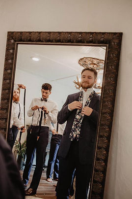 groom suite mirror.jpg