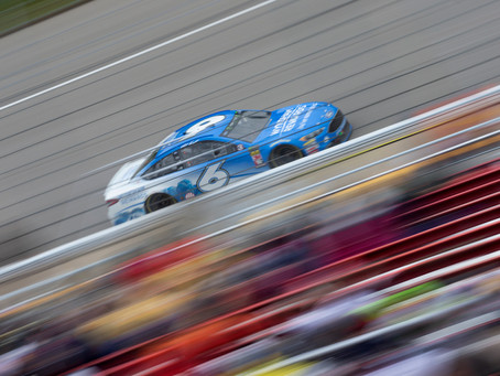Kenseth 33rd on a wet day in Michigan