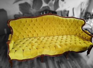 gelbe Couch.png