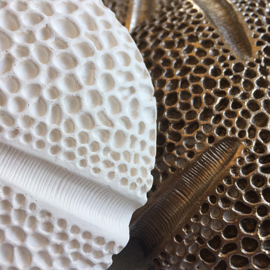 Hellebore: porcelain vs bronze