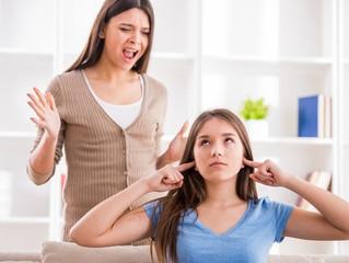 Adolescência e os conflitos entre pais e filhos.