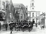 vanL De WA van Overschie marcheert de Zestienhovensekade op.jpg