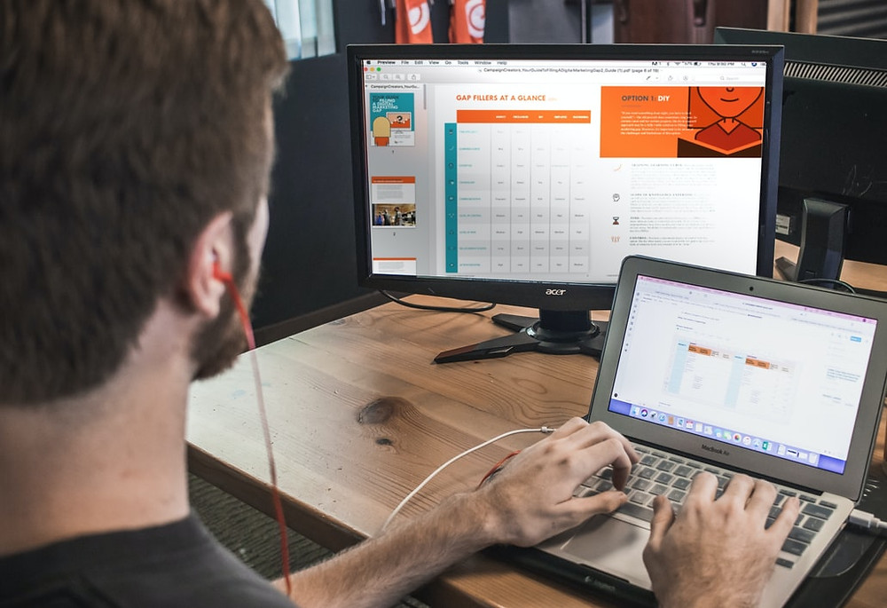 HubSpot organizes clients